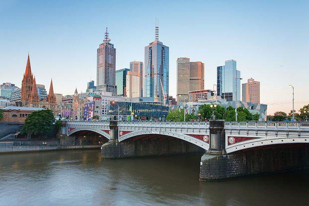 1024px-Melbourne_Skyline_and_Princes_Bridge_-_Dec_2008