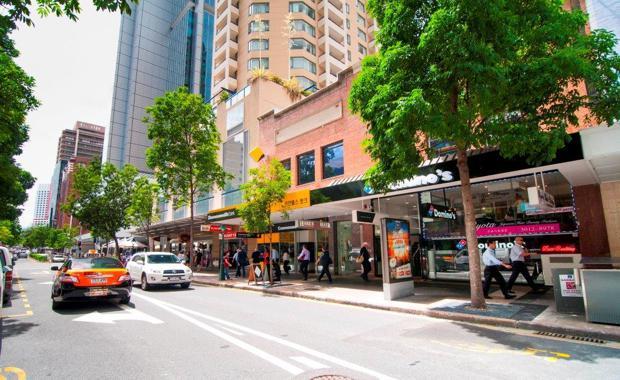150501-Dominos-Albert-St-Brisbane_620x380
