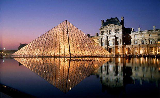 150911-louvre-pyramid-2_620x380