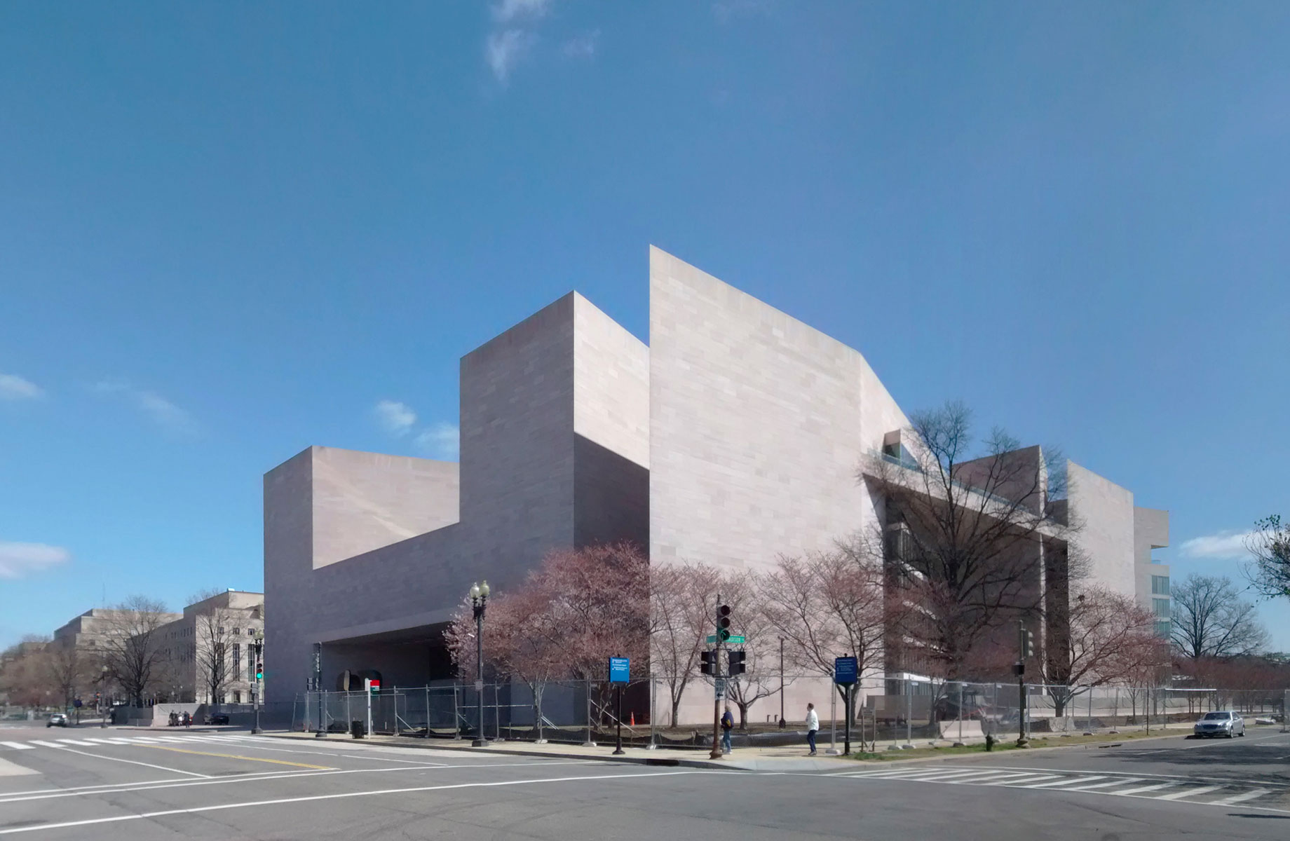 ▲ In 1978, Pei designed the National Gallery East Building in Washington, DC.