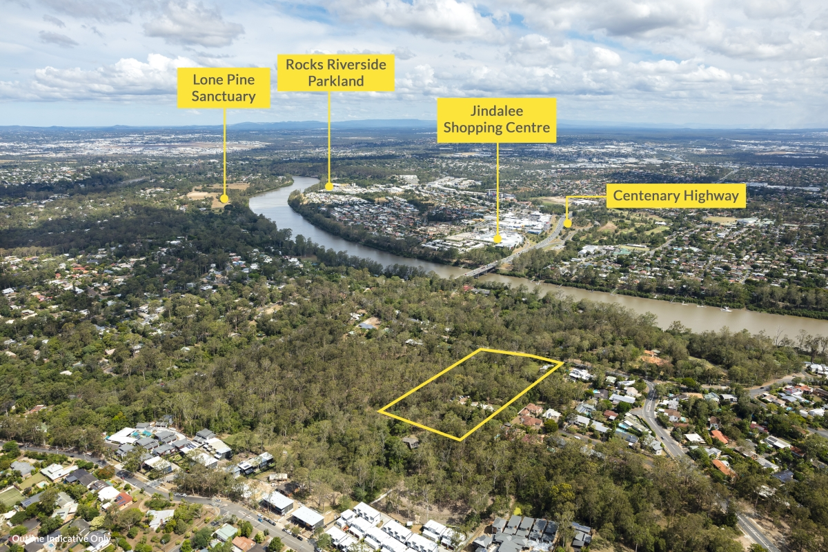 With a 3.19ha* land area, the site has two existing dwellings, and is zoned as Emerging Community.