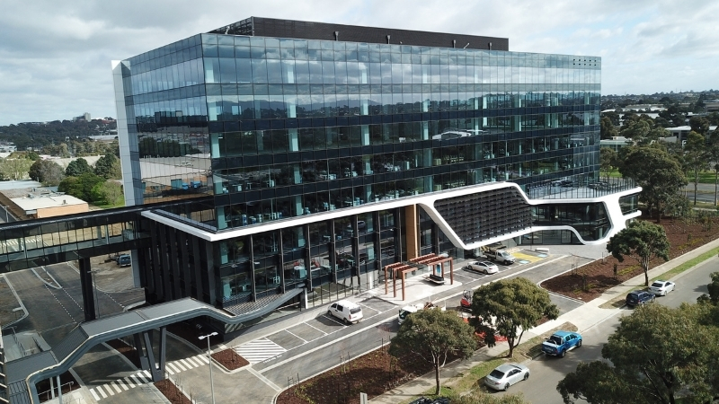 ▲ Spread across five levels of the eight-storey building, Nissan's 11,816 sqm facility comprises office space, a showroom, training rooms and a workshop.