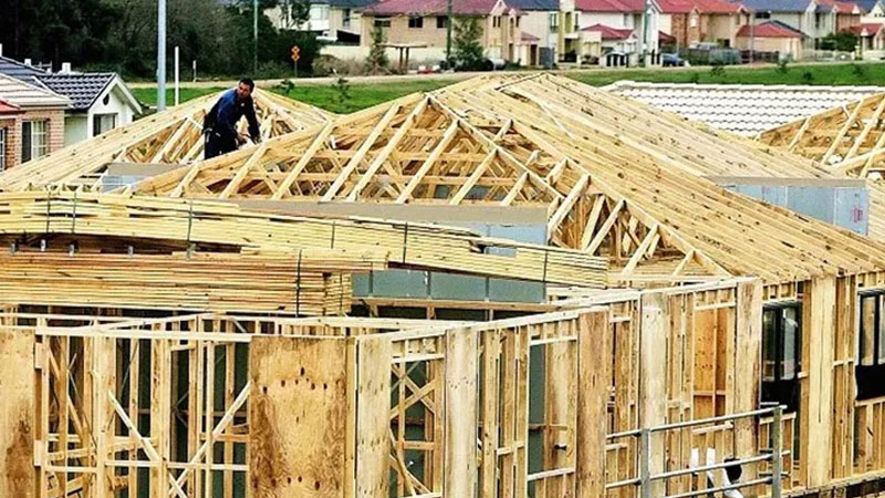 ▲ The residential construction industry employs 134,000 people, contributing around 5 per cent to annual GDP.