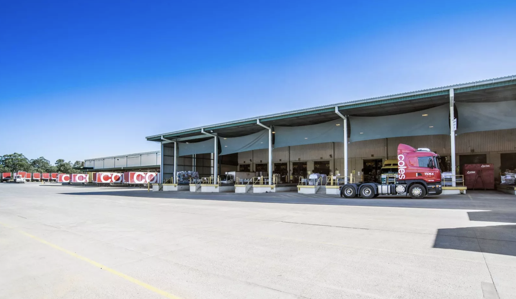 Mapletree's listed logistics trust has snapped up a Coles distribution 28km south-west of Brisbane.