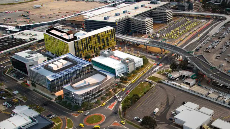 ▲ A dual-branded 464-room hotel will anchor a new 2.3-hectare mixed-used hub called The Hive at Melbourne Airport.