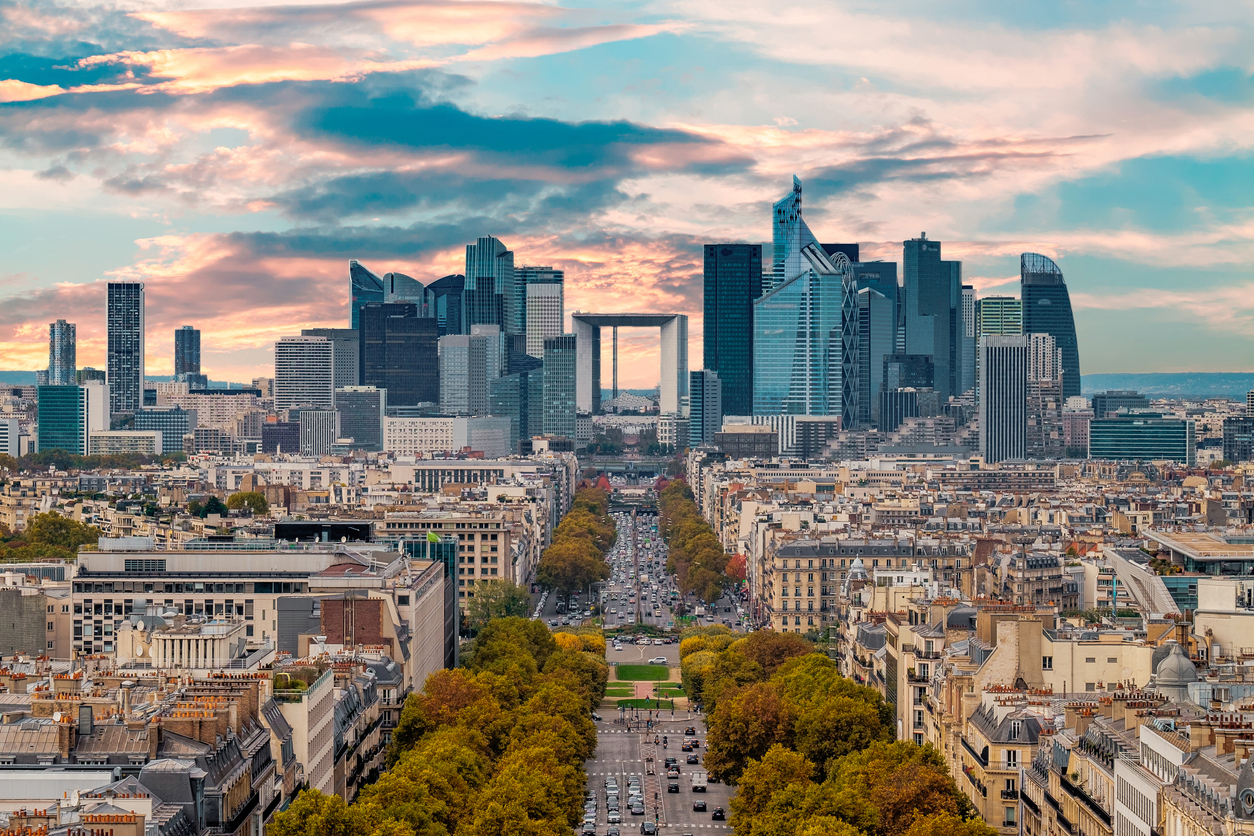 Savills forecasts yields in prime office spaces in Paris to decline to under 3 per cent by the end of 2019 as increasing numbers of investors compete for limited office space.