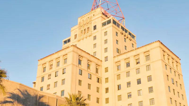 ▲ The Westward Ho building in Phoenix, Arizona.