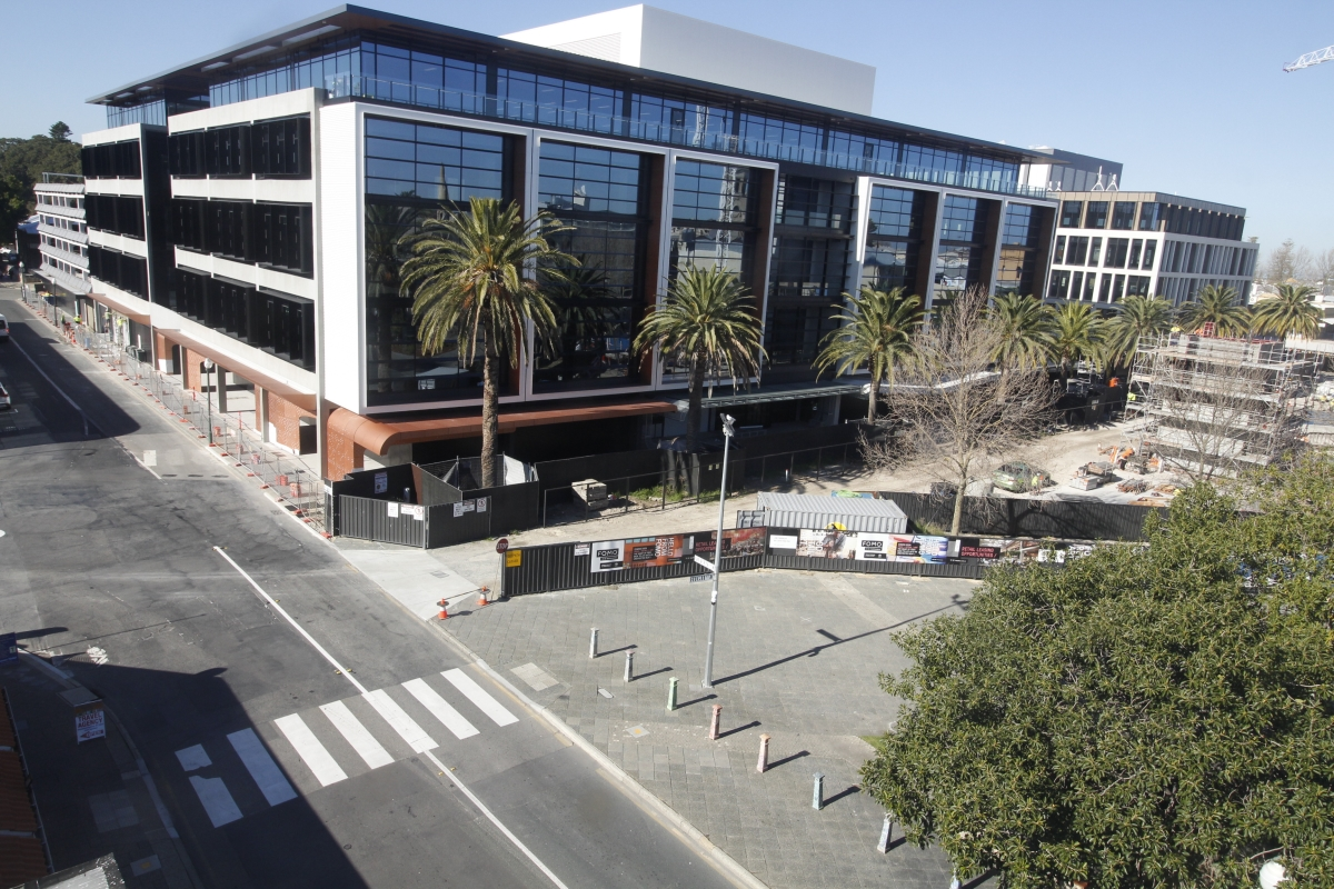 Probuild is delivering a commercial office for Sirona Capital at Kings Square Fremantle. This development is the largest public-private infrastructure project in Fremantle's history. This office will house more than 1,500 government employees