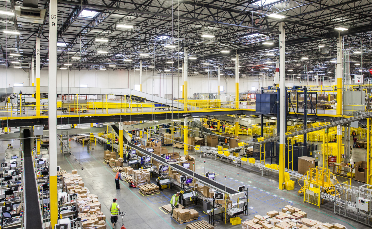 The heavyweight online retailer has signed a lease for a 43,000sq m warehouse