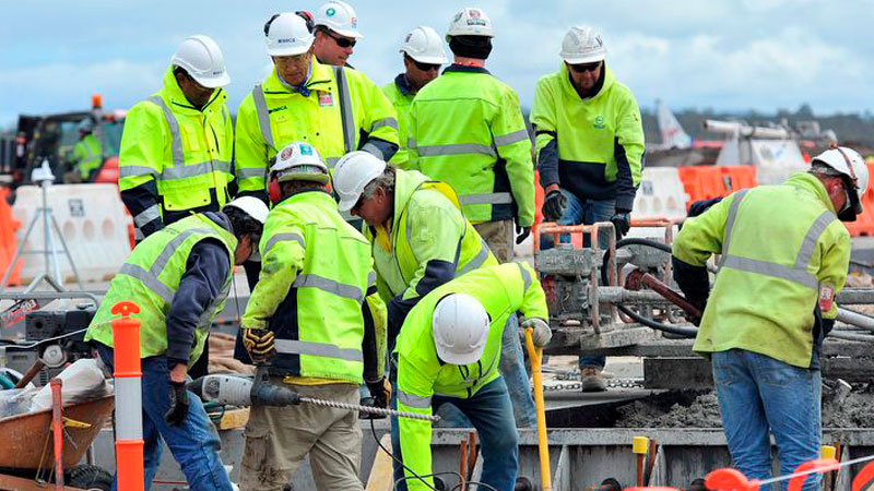 ▲ UBS has predicted that slowing activity will hit construction jobs, forecasting up to 100,000 job losses ahead.