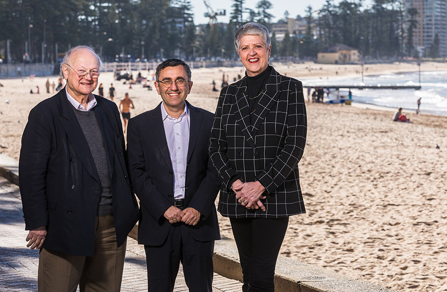 ▲ Glenn Murcut and Angelo Candalepas at Manly with Royal Far West CEO Lindsay Cane.