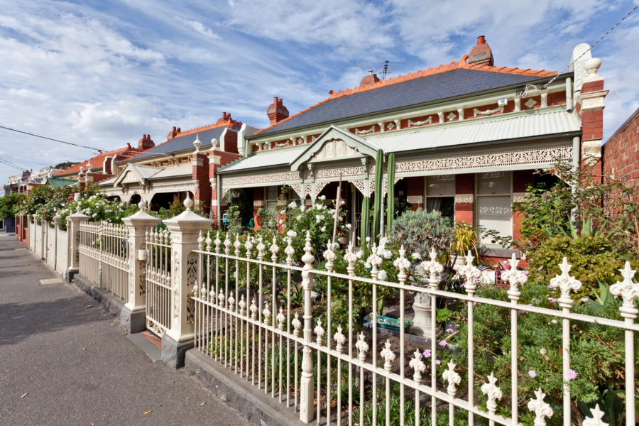 House prices fell 3.9 per cent over the September quarter and 3.2 per cent over the year to $852,980.