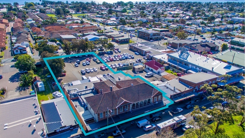 ▲ Laundy sold the pub located at 196 Pacific Highway, Swansea near Lakes Entrance to Hunter Group Holdings.
