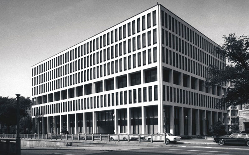 The existing Australian embassy building by Bates, Smart and McCutcheon was built in 1964.