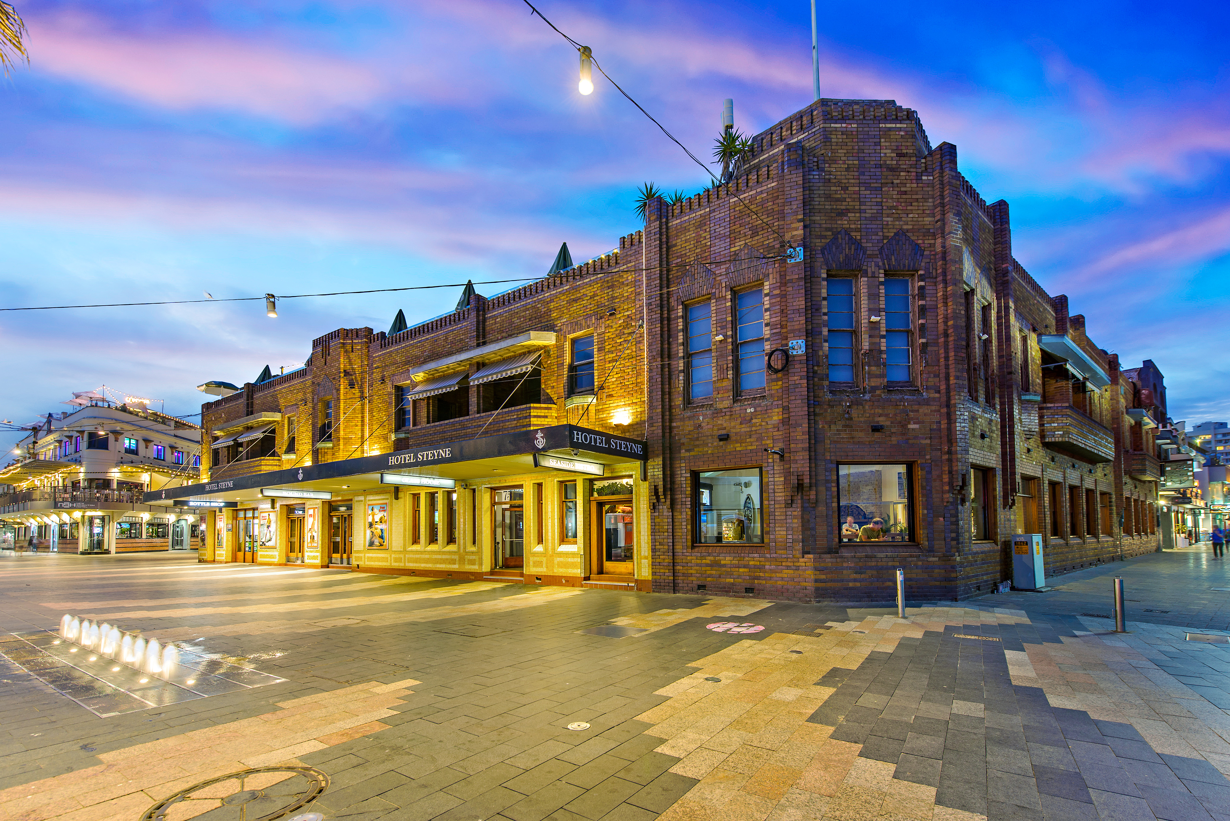 Manly's Hotel Steyne has been listed with a significant price tag.