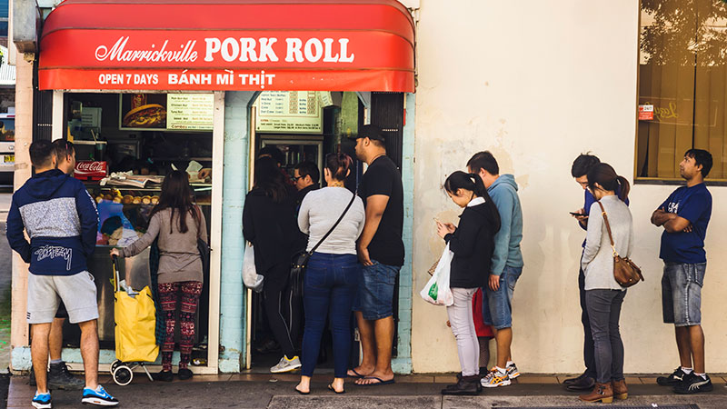 ▲ Customers queueing for a Vietnamese banh mi thit from the popular Marrickville Pork Roll. The Sydney suburb ranked in the global top ten coolest.