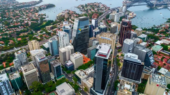 ▲ Stockland is working through development applications for recently-acquired commercial assets in Walker Street, North Sydney and the Piccadilly Centre.