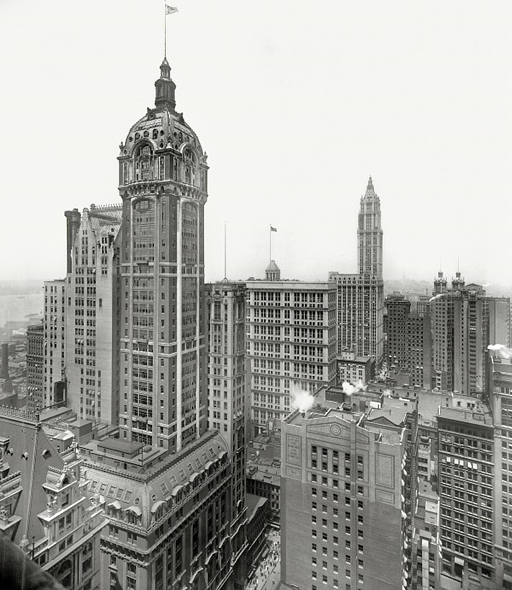 The 47-storey Singer Building was completed in 1908.