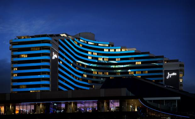 Jupiters Gold Coast, Outdoor facade lighting