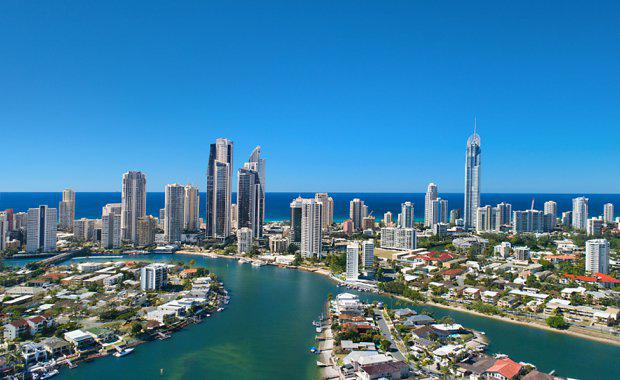 Gold-Coast-skyline-view-of-Surfers_620x380