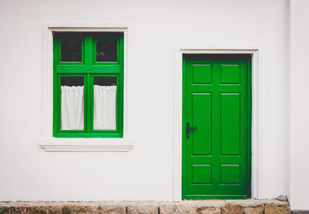 Green-Dor-and-Window-ID9923-640x445