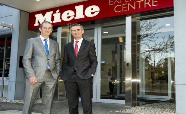 L-R-BAC-General-Manager-of-Commercial-Businesses-John-Tormey-and-Miele-Australia-and-New-Zealand-Managing-Director-Sjaak-Brouwer_620x380