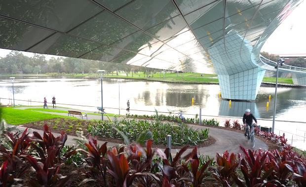 Riverbank-Footbridge