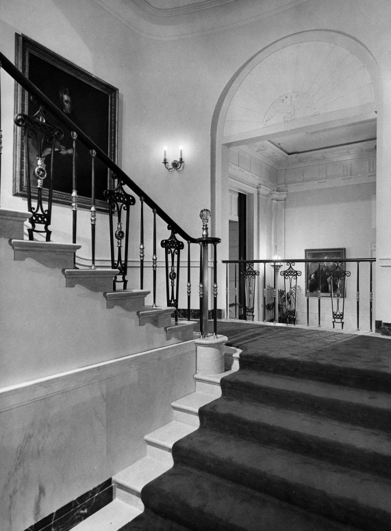 The Grand Staircase after renovations. Source: whitehousehistory.org
