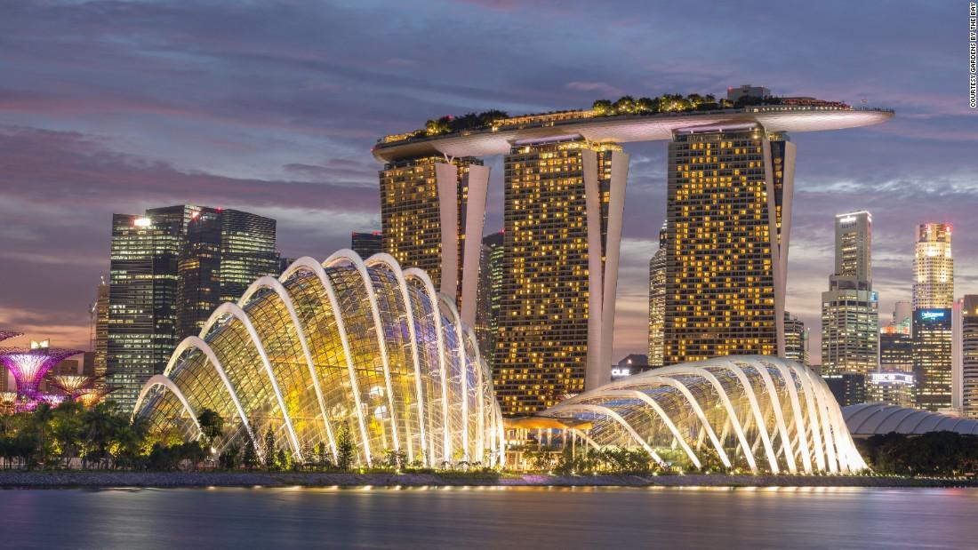 Singapore-Hero
