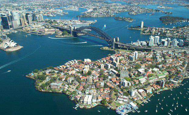 Sydney_Harbour_Bridge_from_the_air_620x380
