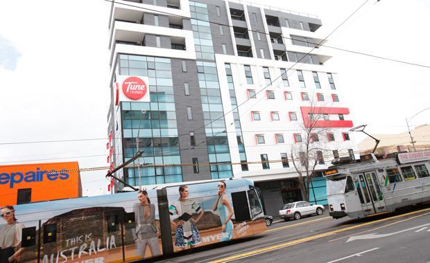 Tune-Hotel-Melbourne-1