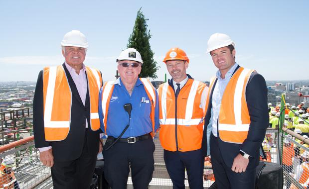 Vue-Topping-Out-12
