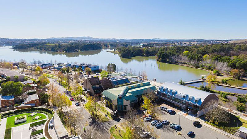 Built around Lake Ginninderra, the Belconnen area consists of 25 suburbs and is located seven kilometres north-west of Canberra's CBD.