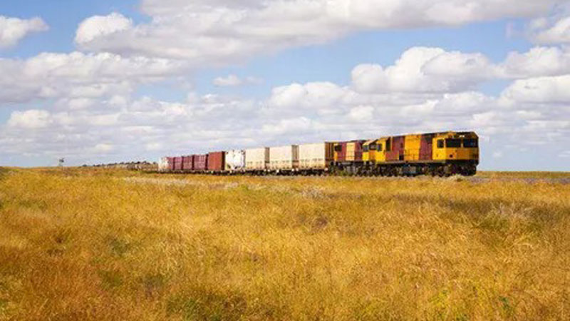 ▲ The government will fast-track the $10bn Inland Rail freight link between Melbourne and Brisbane.