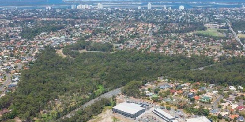 ▲ Gold Coast Surf Park. Surf Wave Pool Planned at Parkwood Village