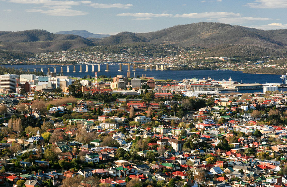 The weekly asking rent for a house in Hobart jumped to $450, up from $420, over the March quarter, while in Melbourne house rents remained at $440.