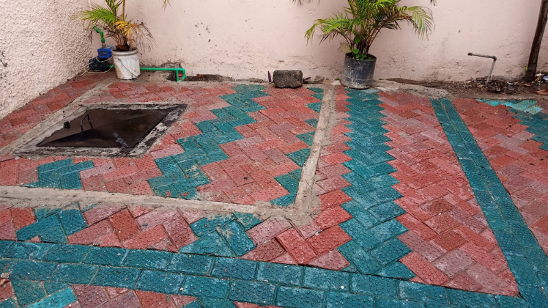 ▲(mid)Pavers made from recovered non-recyclable plastics in Kenya by entrepreneur and materials engineer Nzambi Matee's business Gjenje Makers. Image: Gjenje Makers