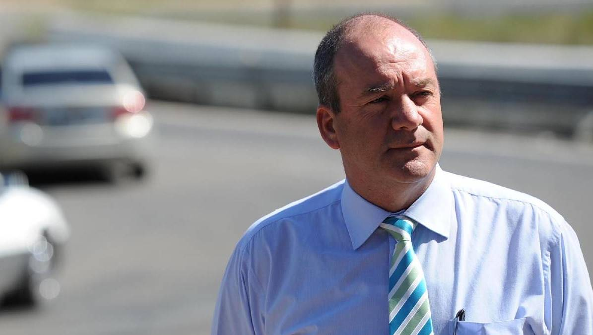 MP Daryl Maguire is facing calls to quit Parliament after admitting before a corruption inquiry that he sought payment over a property deal.