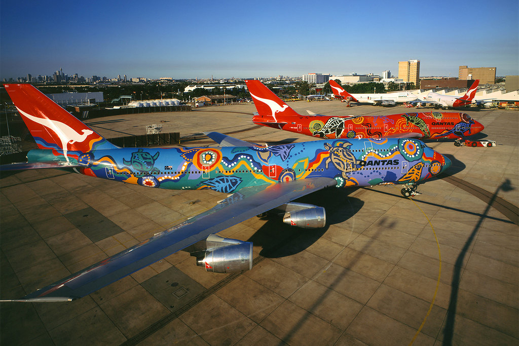 Wunala Dreaming (back) and Nalanji Dreaming (front). Wunala Dreaming was rolled out on 4 September 1994. The artwork appeared on two Qantas aircrafts from 1994 until 2003.