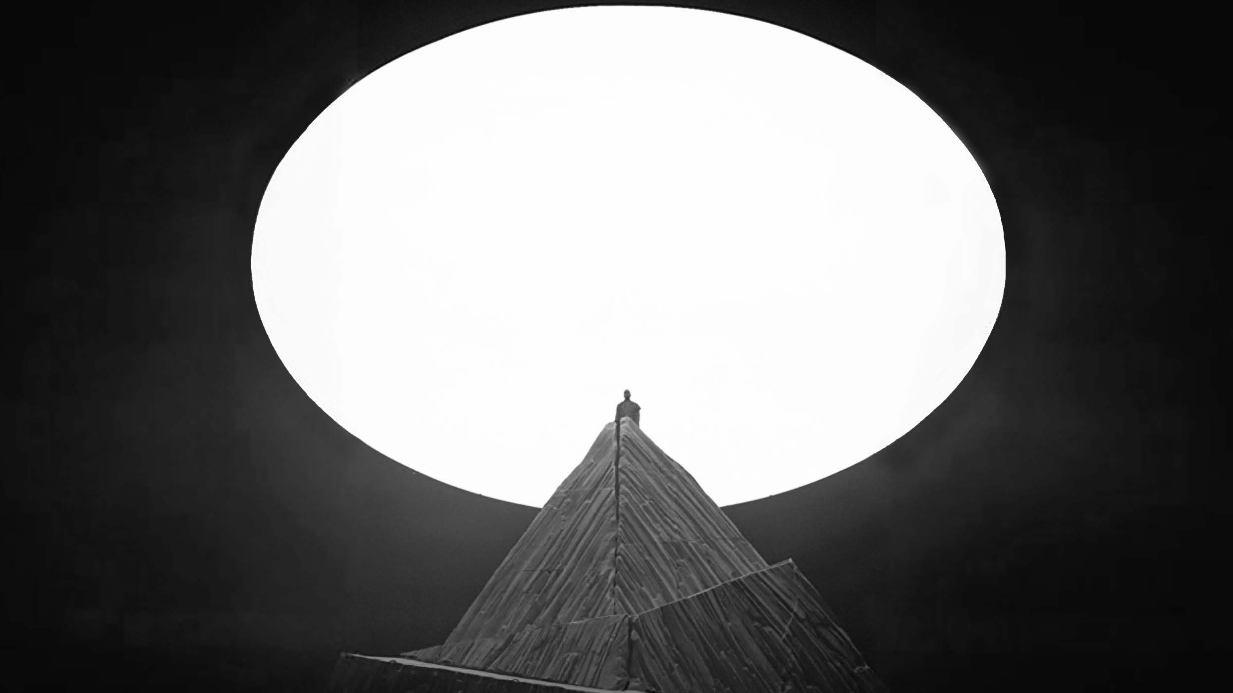A traveling mountain and LED sun for Kanye West's North American Yeezus tour. - Family New York