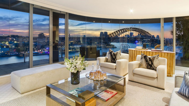 ▲ The penthouse located in CBD Quay Grand building has hit the market with price expectations of around $12 million.