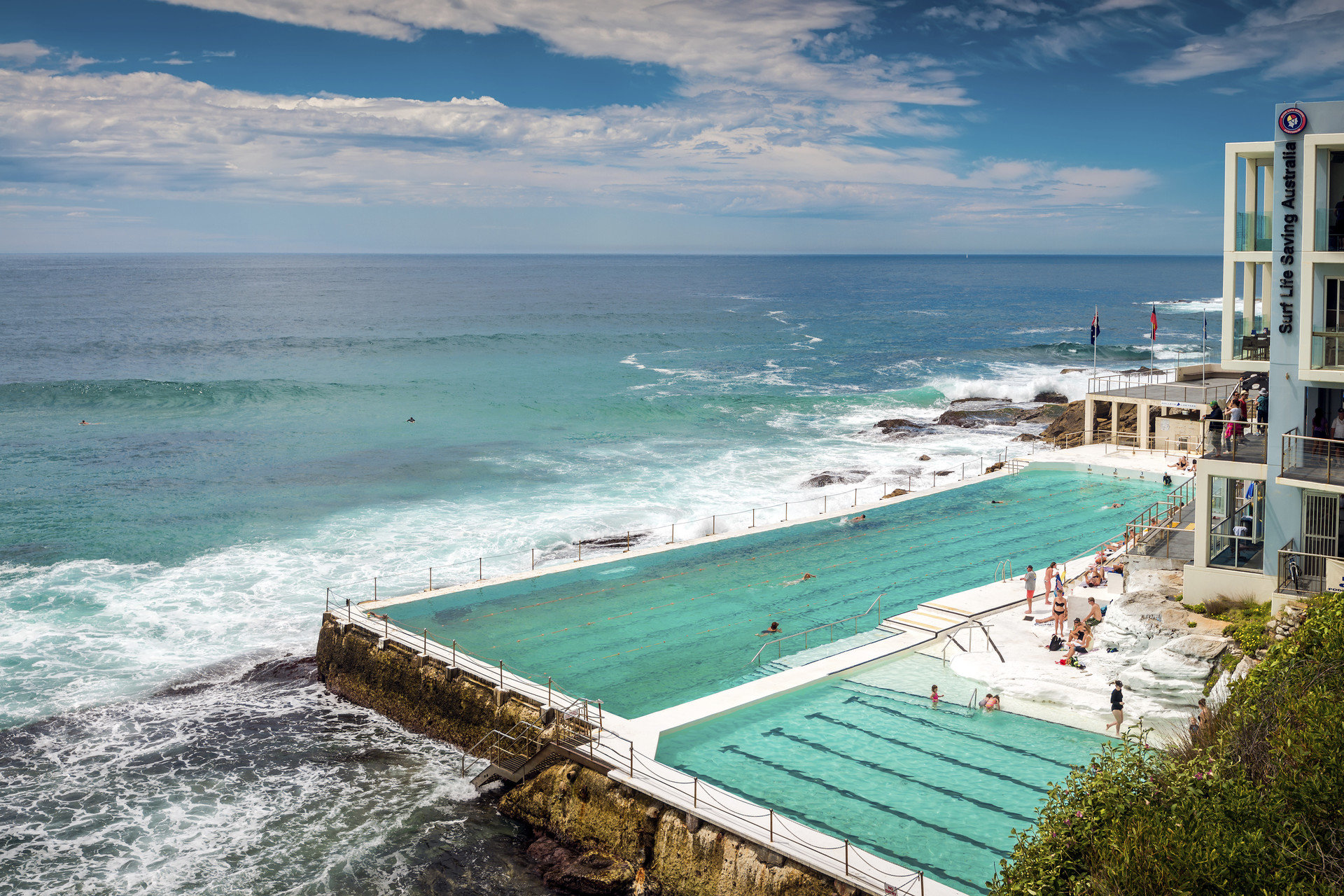 Singo sells the leasehold for well-known Icebergs restaurant in Bondi Beach.