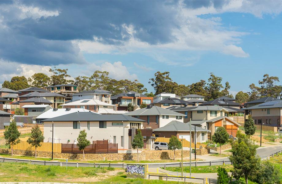 The total value of Australia's 10.1 million homes fell by $70.1 billion over the last quarter.
