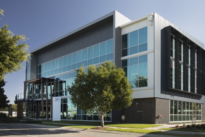 ▲ FlameGuard decorative architectural non-combustible wall cladding was chosen for the exterior walls of the corporate office campus, 381 Macarthur Avenue, Hamilton.