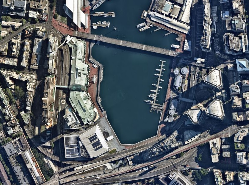The Ribbon is located between Harbourside and Cockle Bay Wharf in Darling Harbour.