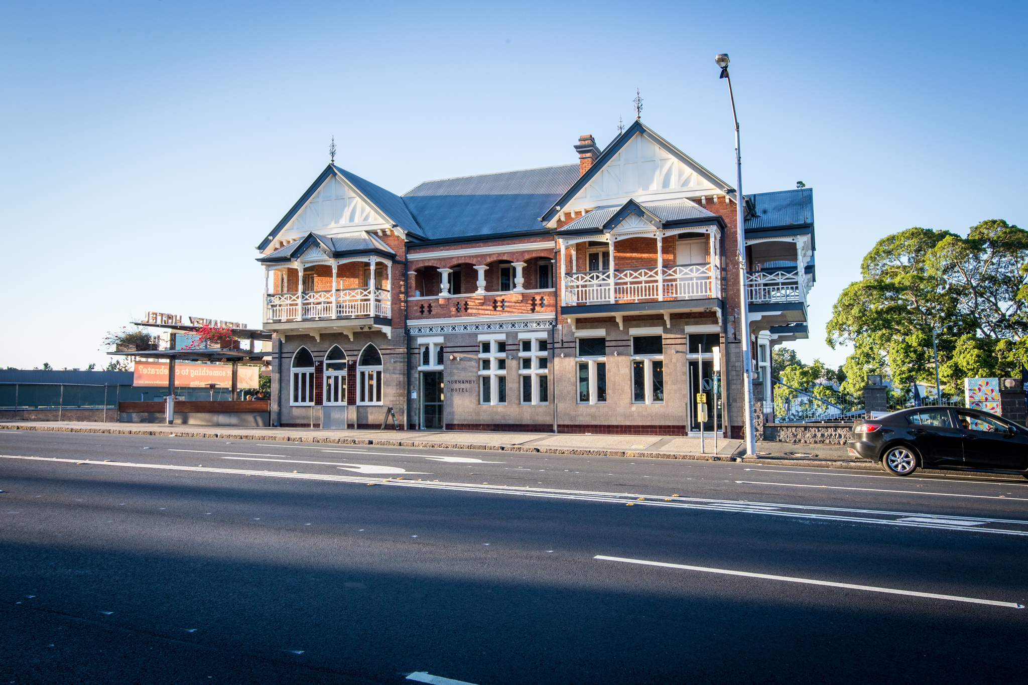 iconic queensland pub the normanby hotel up for sale