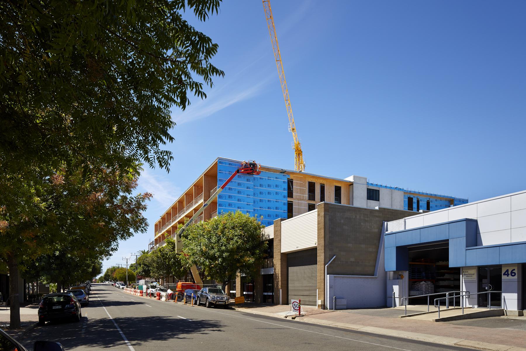 La Verde Apartments (Adelaide, South Australia)/ Building company Morgan and Hansen/ Proske Architects.