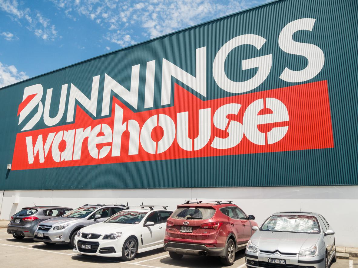 Melbourne, Australia – January 3, 2016: Bunnings Warehouse, owned by Wesfarmers, is the largest hardware business in Australia. This is the suburban Nunawading store.