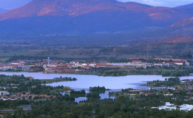 lake-tuggeraong